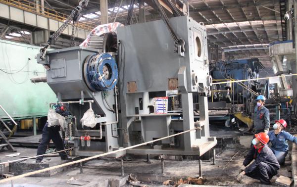陕钢汉钢轧钢厂棒一新增冷剪正式进入设备安装阶段