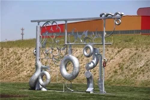 ��m#��'_国际范儿!唐山德龙钢雕艺术燃爆钢铁工业游!